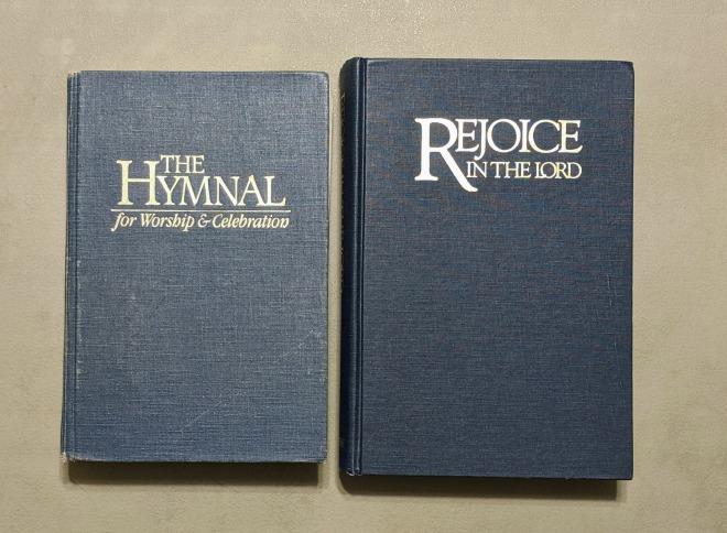 2 hymnals